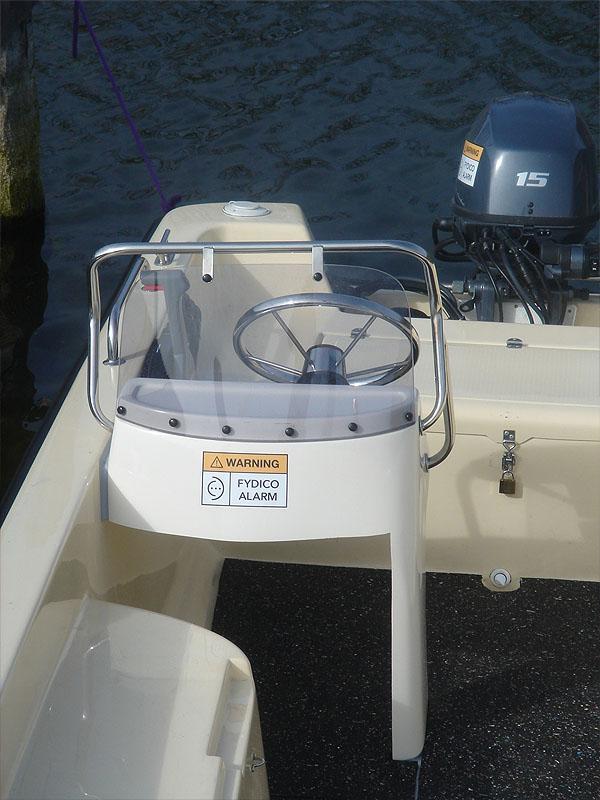 Angeblboot 4,80 mit Steuerstand - Motor